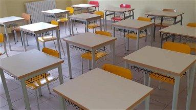 Castrovillari torna a scuola. I bambini fino alla terza media riprenderanno le lezioni in presenza