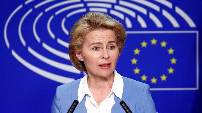 La lettera ad Ursula Von der Leyen: «Bloccare il Recovery Fund all'Italia, vogliono usarlo contro il Sud»