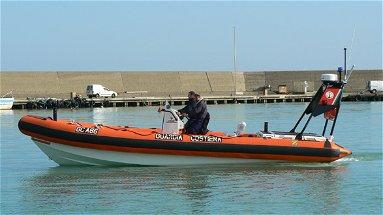 La Guardia Costiera sequestra attrezzi da pesca e