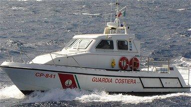 Corigliano, tre pescatori salvati dalla guardia costiera