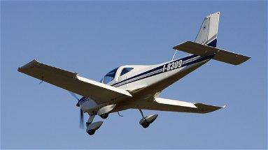 Precipita ultraleggero a Cerchiara, si salva il pilota