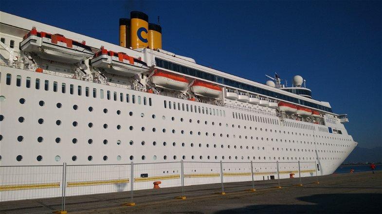 Costa Crociere a Corigliano, 1100 turisti sbarcano al Porto