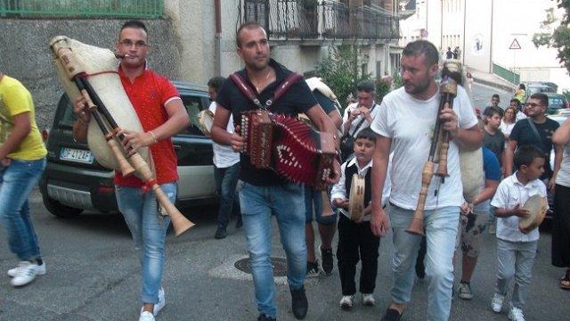 Ad Albidona il primo festival della zampogna