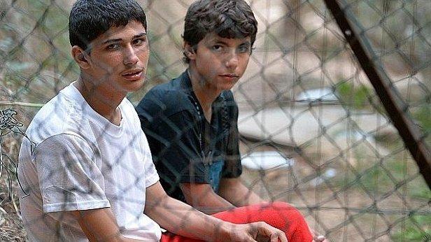 Corigliano Rossano accoglie i giovani migranti sbarcati al Porto
