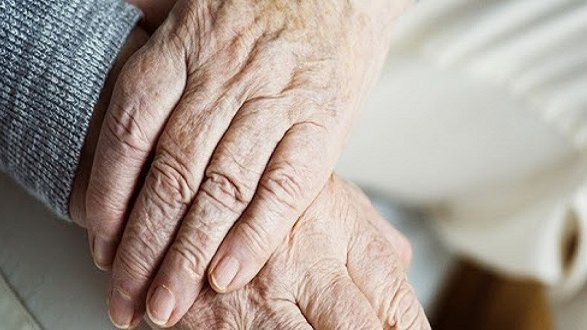 Covid 19, gli anziani non sono uno scarto sociale