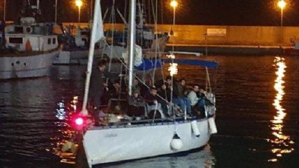 Dopo lo sbarco di Roccella 25 poliziotti sono in quarantena