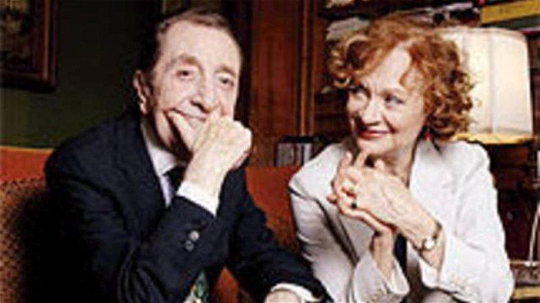 Compleanno Giuliana Lo Jodice, gli auguri dell'Amministrazione Comunale di Corigliano-Rossano