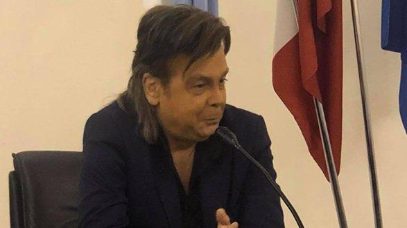 L'Istituto Donizetti di Crosia Mirto accoglie Angelo Guidi