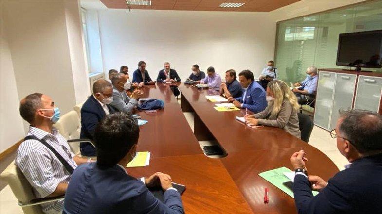 Regione, Orsomarso incontra i sindacati sulle politiche per il lavoro