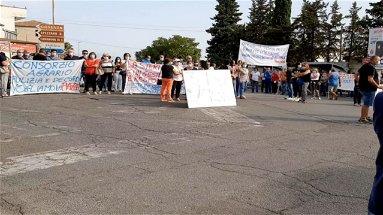 Comune latitante e disagi: monta la protesta dei cittadini di Cantinella - VIDEO