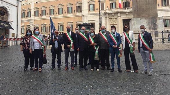 Cariati guida la protesta dei sindaci a Roma per rivendicare più diritti per la Calabria