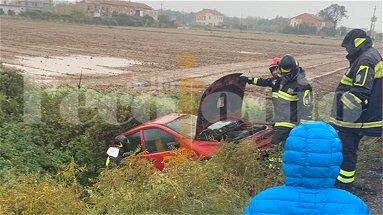 Corigliano-Rossano, incidente a Villaggio Frassa: auto finisce nella scarpata