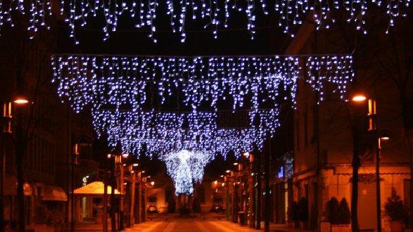 Emergenza Covid, Villapiana rinuncia alle luminarie natalizie: i soldi a famiglie bisognose