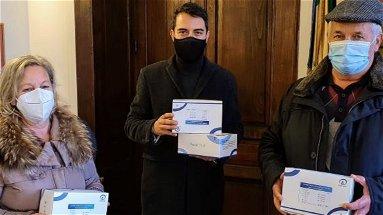 Castrovillari, l'associazione Sorgente della Pietà consegna al comune 100 tamponi