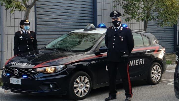 Evade dagli arresti domiciliari con il braccialetto elettronico: beccato dai carabinieri
