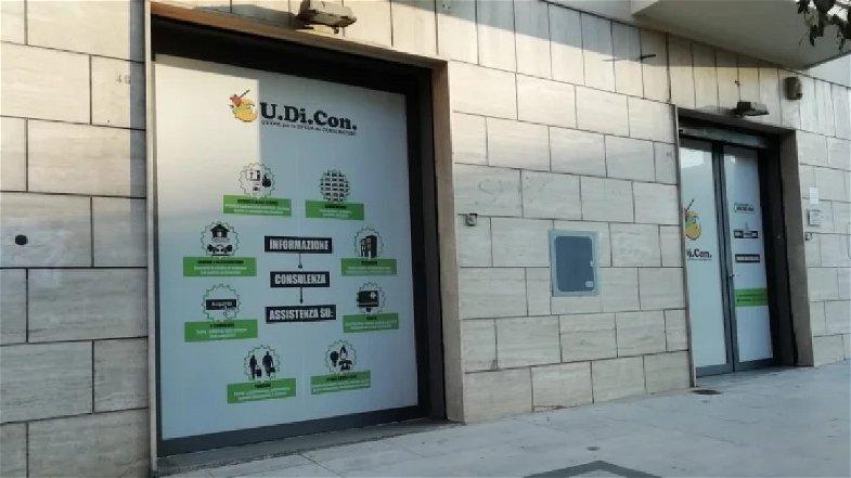 Udicon: «Impennata Covid, scuole chiuse e focolai davanti agli Uffici Postali»