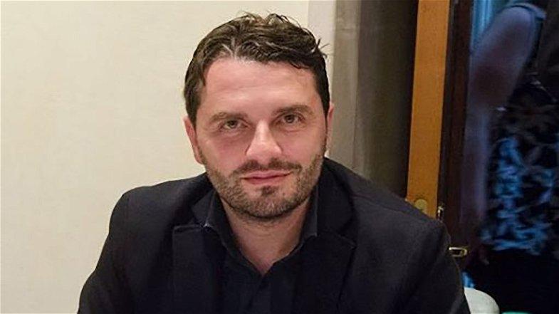 """Corigliano-Rossano, chiusura scuole: il consigliere Frasca attacca Spirlì ma con il """"fuoco amico"""" colpisce Stasi"""