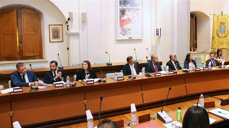 Corigliano-Rossano, Opposizione: «Crati, Scuola ed Emergenza Sanitaria aspettiamo ancora il Consiglio Comunale»