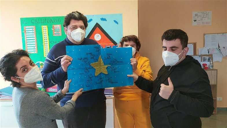 """Corigliano-Rossano, I ragazzi di """"I Figli della Luna"""" esprimono la loro creatività con l'arte"""
