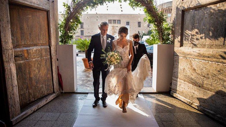 Crisi del settore wedding. Da Castrovillari la proposta dei matrimoni in sicurezza arriva sul tavolo di Spirlì