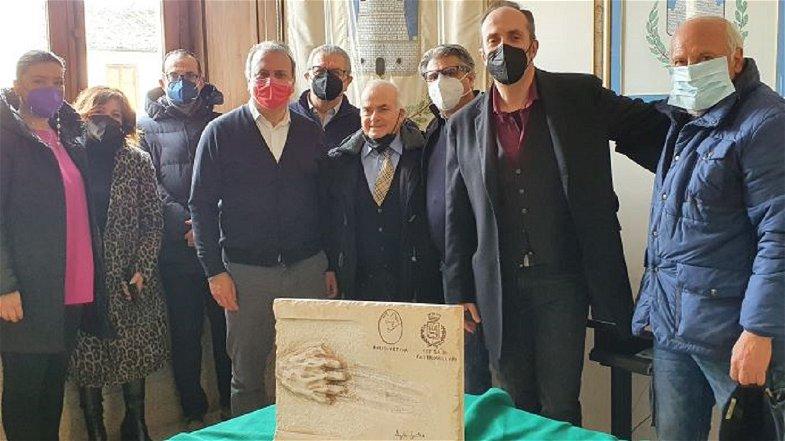 Castrovillari, consegnata a Franco Avolio una targa per i 50 anni a servizio dello sport