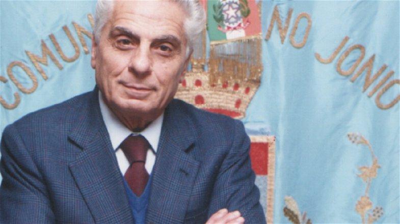 A Cassano la piazza antistante il Municipio sarà intitolata a Salvatore Frasca