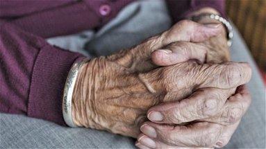 Vaccini, la Cgil chiede che «sia data priorità agli anziani»