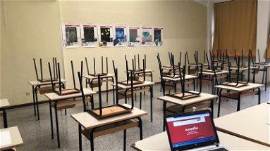 Dirigenti scolastici sfiniti dal tira e molla delle chiusure, chiedono l'intervento del