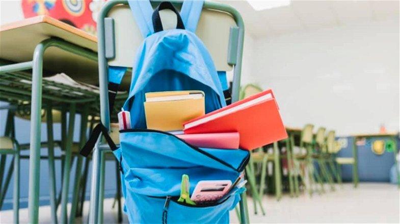 Lunedì Cariati ritorna a scuola, didattica mista solo per le superiori