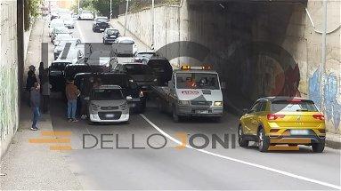 Mega tamponamento e traffico in tilt nell'area urbana di Rossano scalo