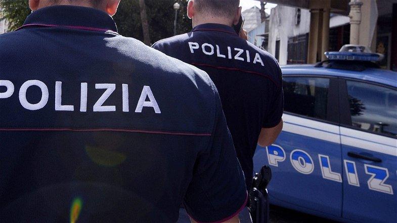 Cosenza, Polizia esegue misura cautelare coercitiva per stalking nei confronti di un 31enne tunisino