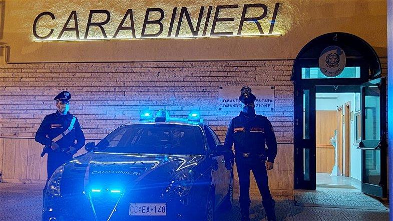 Corigliano-Rossano, inseguimento sulla Provinciale: fermato 22enne alla guida di un'auto rubata