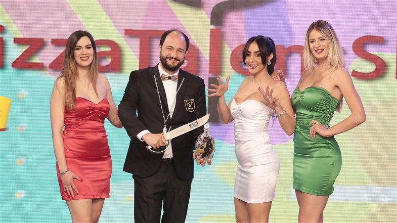 """È calabrese il """"Mister Bollicine"""" del programma televisivo nazionale Pizza talent show"""