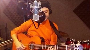 Da custode dei canti popolari, a ricercatore scientifico... a cantautore