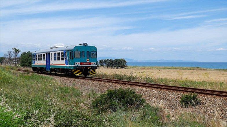 Trasporti, Catalfamo annuncia la nuova programmazione estiva dei servizi ferroviari