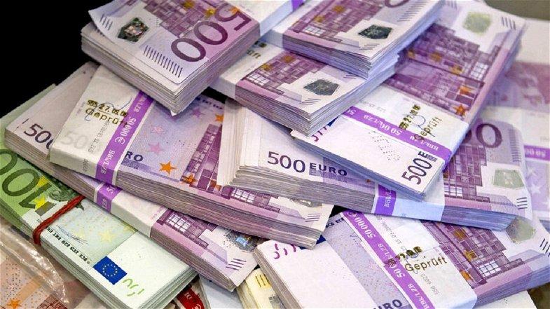 Cosenza, sequestrati 135mila euro a un autotrasportatore