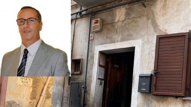 Cassano, incendiato il portone del consigliere Praino: matrice dolosa?