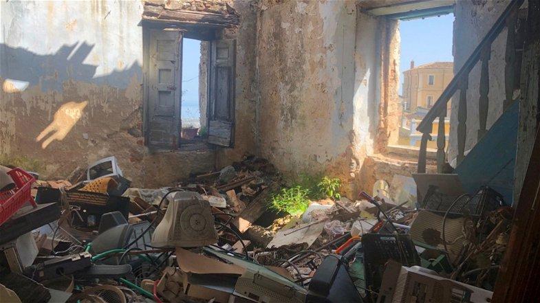 Centro storico Rossano: «Due anni di emergenza igienico-sanitaria e rischio crolli»