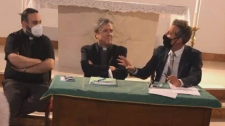 «Fuori la politica dalla sanità» Il monito durissimo del vescovo Savino