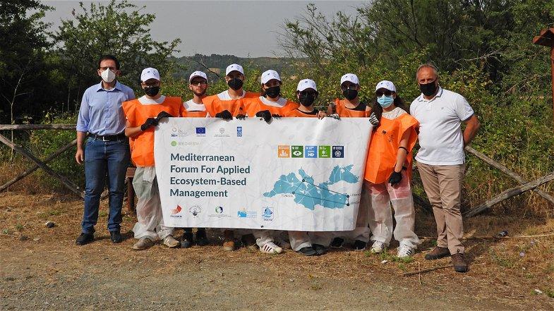 Giornata Ecologica sul Lago di Tarsia: ripulite alcune aree da rifiuti abbandonati