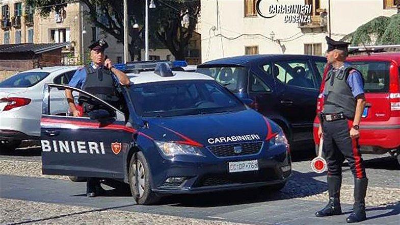 Cosenza, evade dai domiciliari per comprare cocaina: arrestato dai Carabinieri