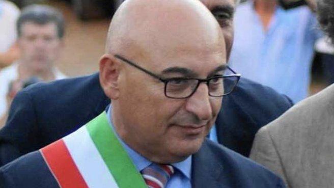 Trebisacce: il Sindaco Franco Mundo si è dimesso