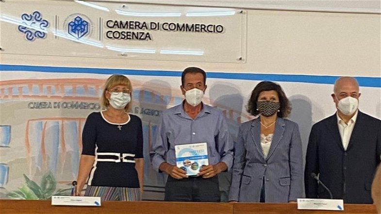 Laino Borgo, l'azienda Cannazzaro annoverata tra le Imprese Storiche della Camera di Commercio