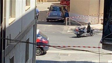 Agguato in pieno centro a Corigliano, ferito un uomo