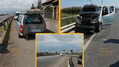 Tamponamento al bivio di Sibari, un dializzato rimane incastrato in un furgone: arriva l'elisoccorso