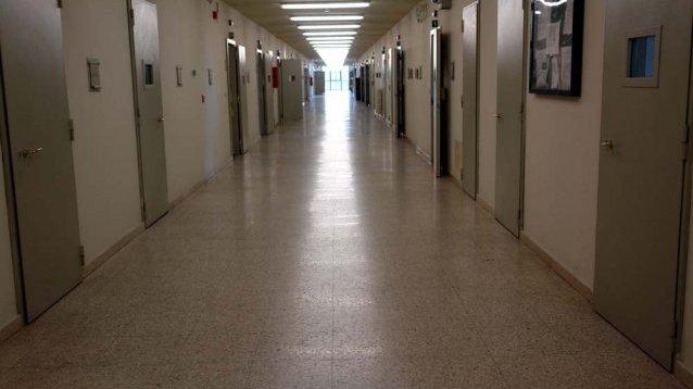 Guerriglia in carcere tra detenuti psichiatrici e penitenziaria. Situazione ambientale allarmante