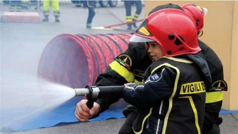 Rende, al centro commerciale Metropolis arriva Pompieropoli: qui fare il pompiere è un gioco da ragazzi!