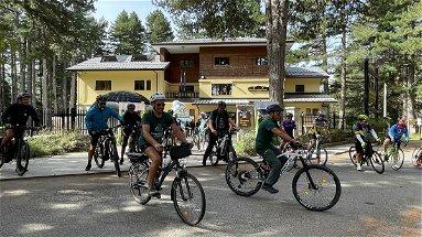 """Turismo sostenibile, la """"Carovana dei Parchi in bicicletta"""" attraversa la Sila"""