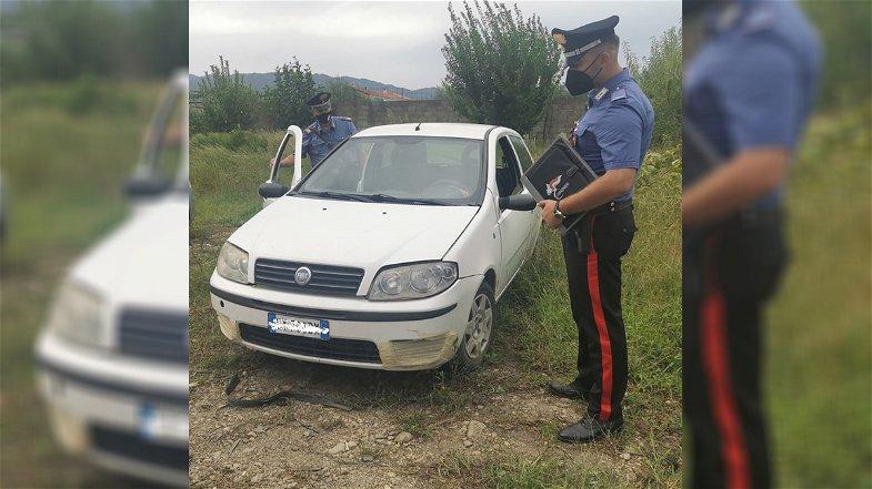 Corigliano-Rossano, utilizzava un'auto rubata e con targhe trafugate: denunciato