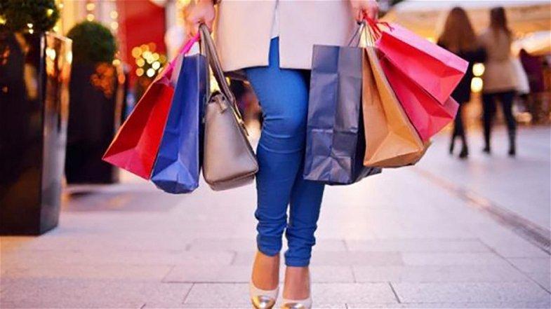 Nel 2020 in Calabria i consumi sono diminuiti di 3 miliardi. Per ristoranti e alberghi - 40,6%